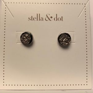 Stella and Dot drusy stud earrings
